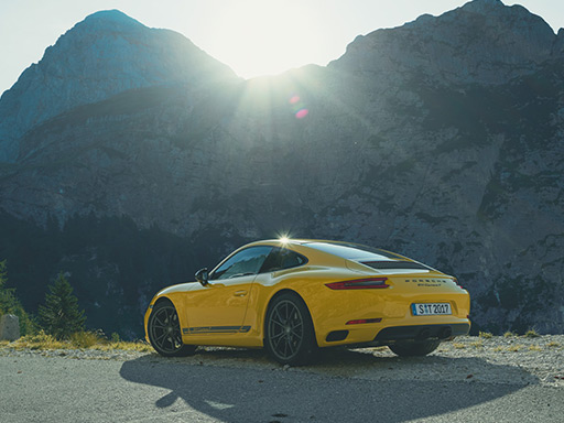 The Unfiltered Truth. The new 911 Carrera T.